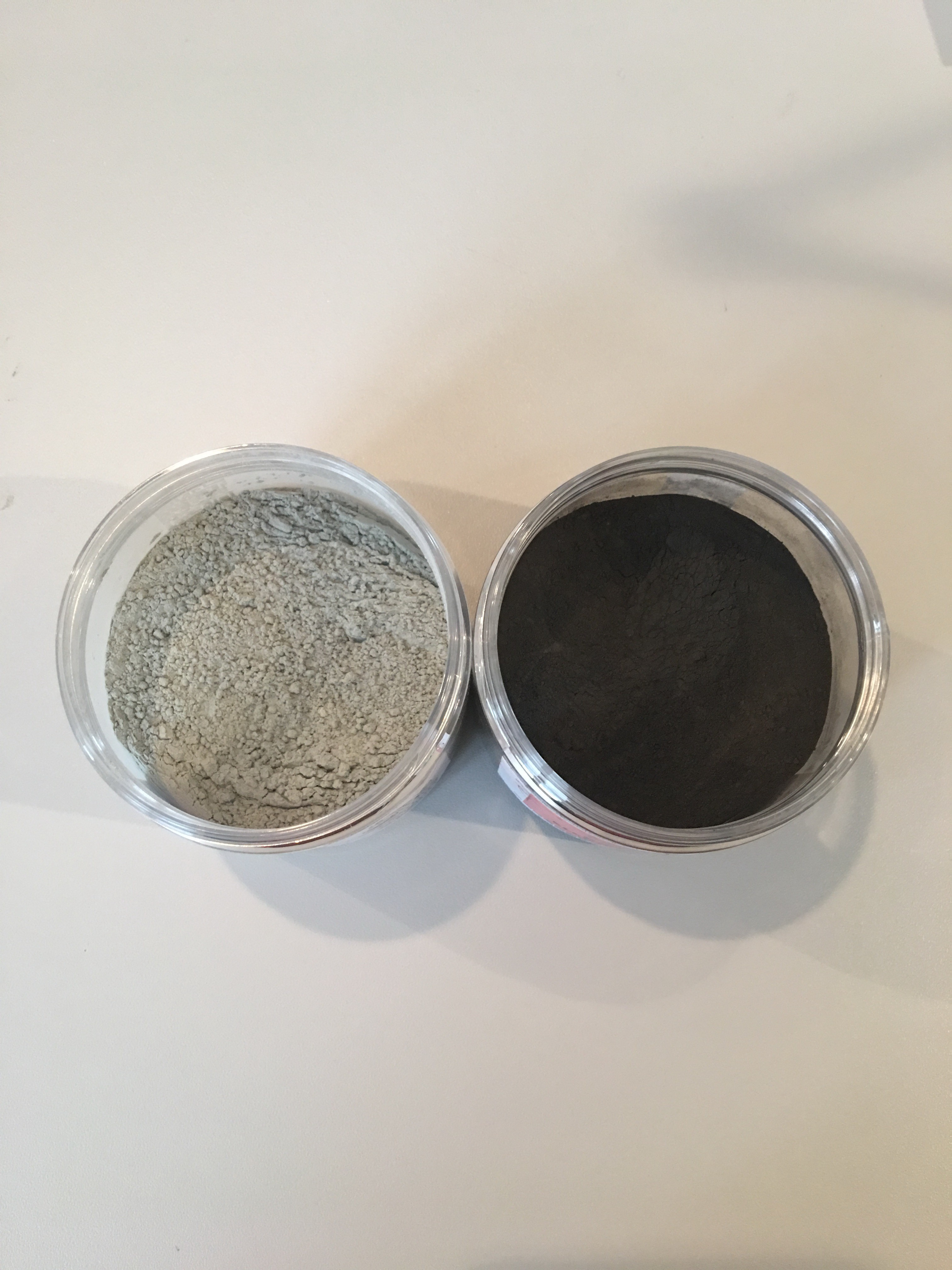 pigments gris